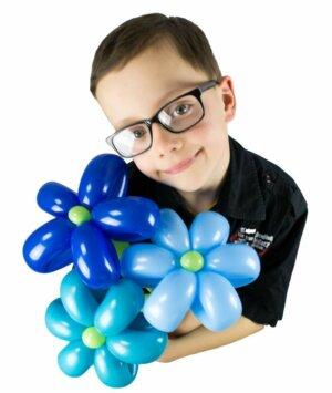 Blumenstrauss aus Luftballons mit 3 Blumen in blau online bestellen