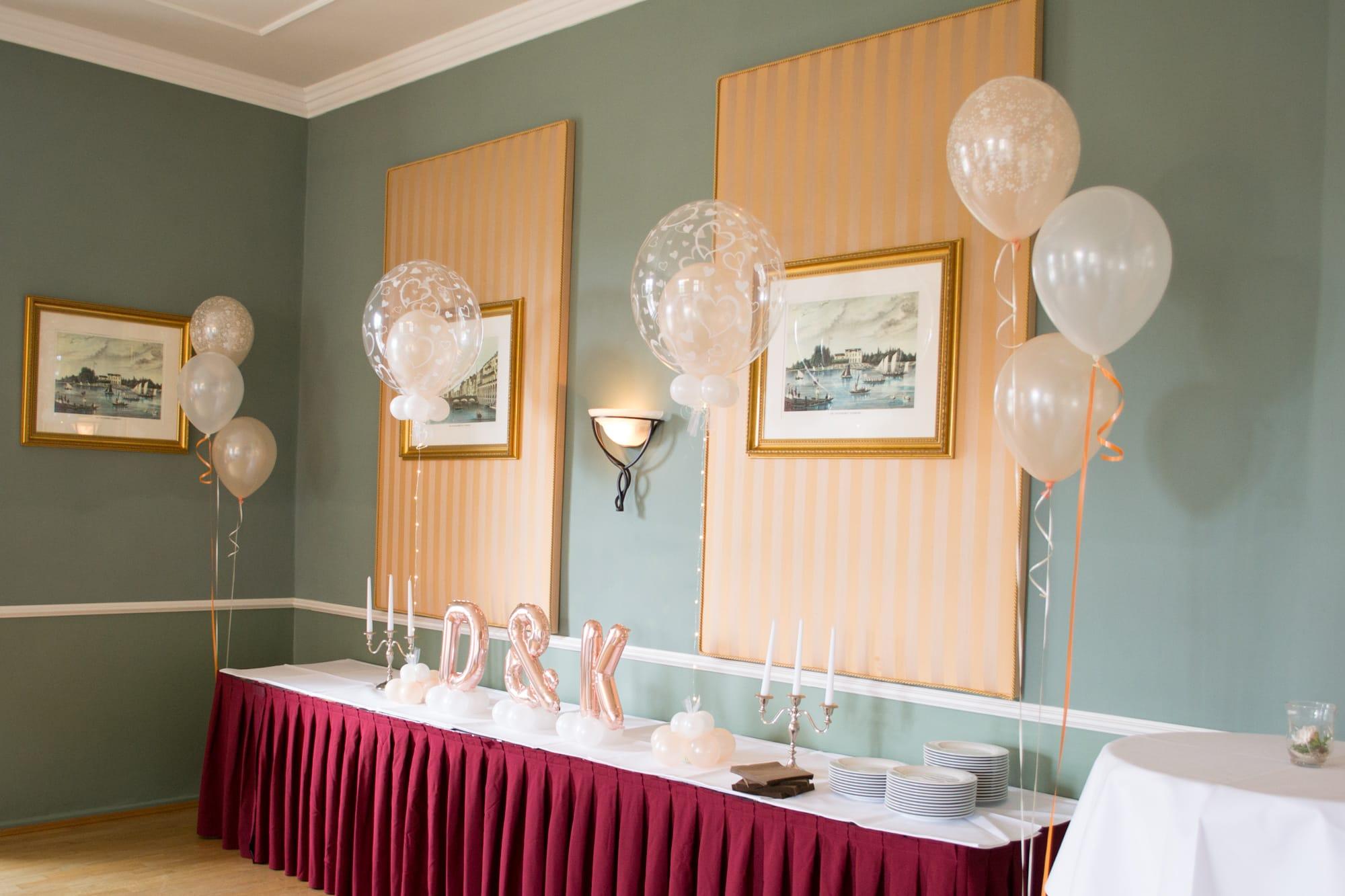 Dekoration aus luftballons lufties ballons for Brauttisch deko