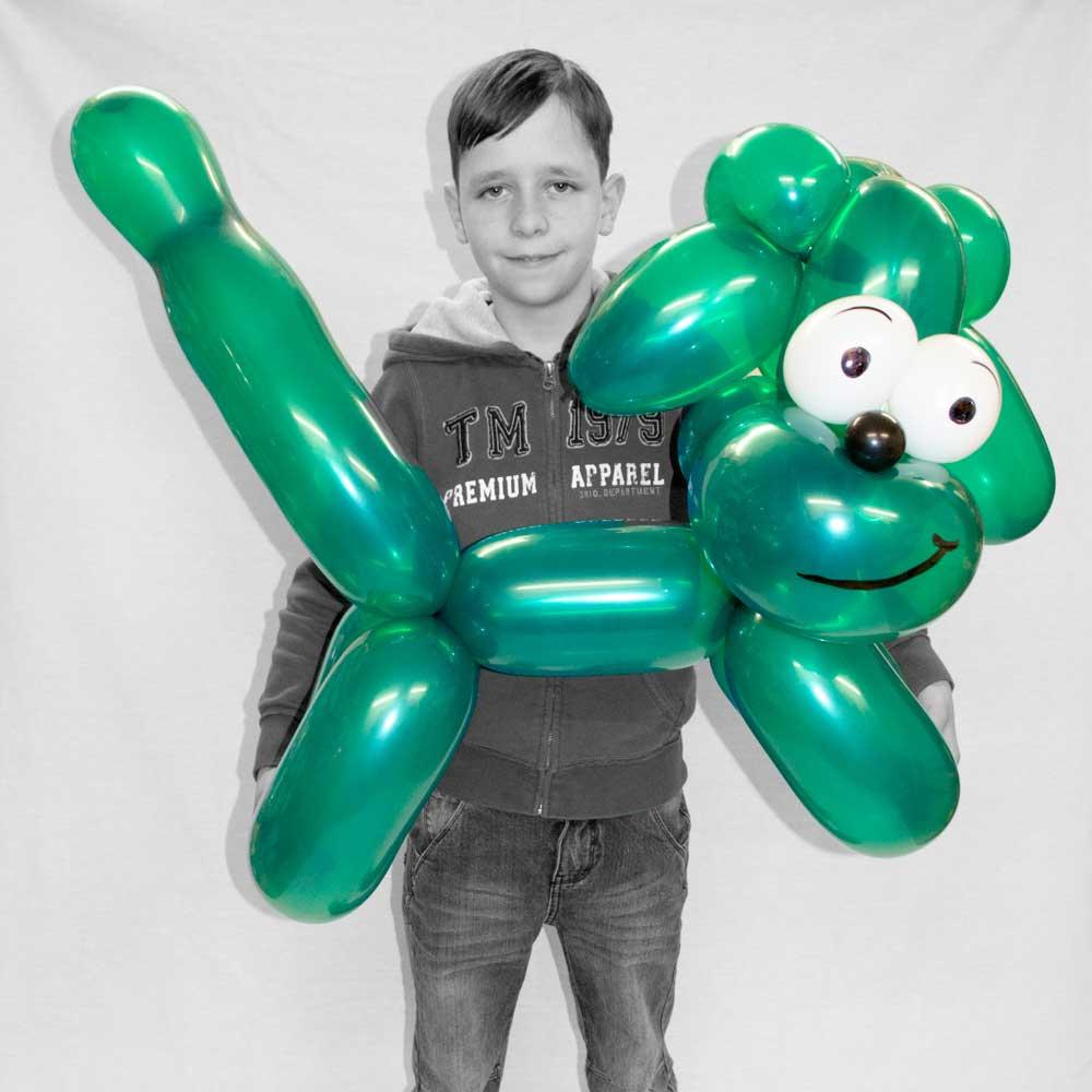 Riesen-Hund aus Luftballons