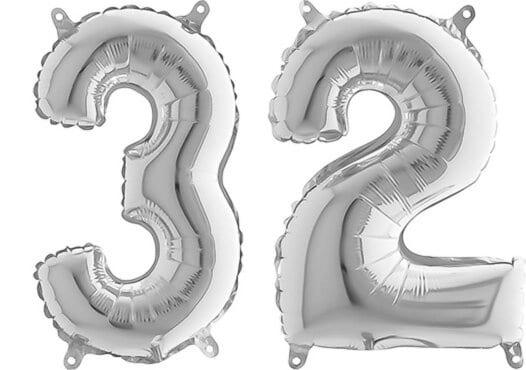 Luftballon Zahl 32 Zahlenballon silber (66 cm)